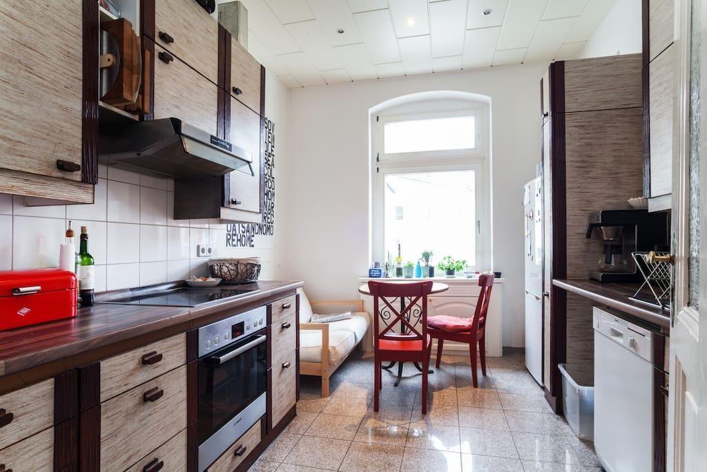 Schön eingerichtete Küche mit Holzarbeitsplatte #Küche - holz arbeitsplatte küche