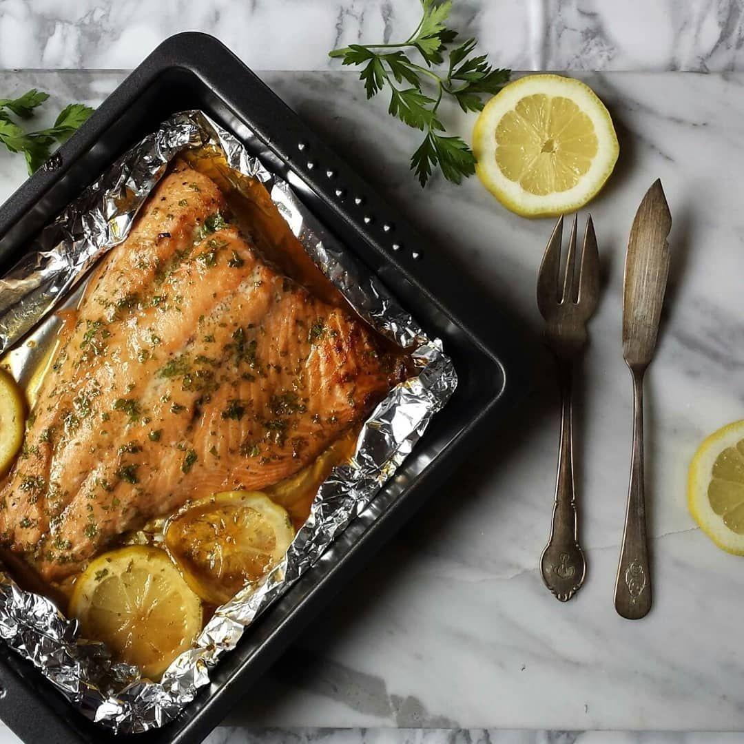 Receta De Salmón Al Horno Con Mantequilla Y Limón Receta Salmon Recetas Horno Salmon Al Horno Salmon Recetas