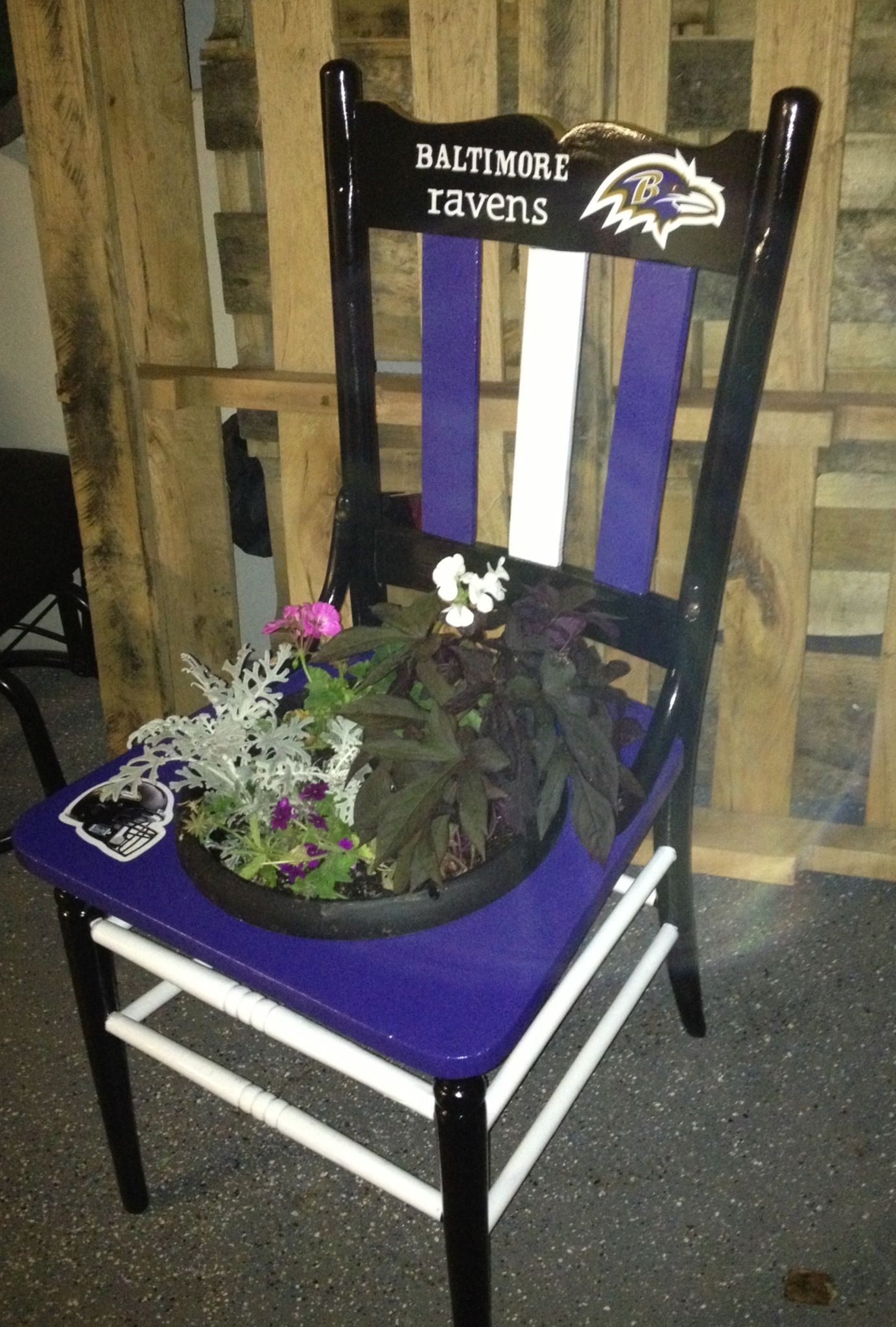 Beautiful Baltimore Ravens Chair/planter