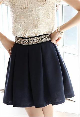 Diamond pleated skirt