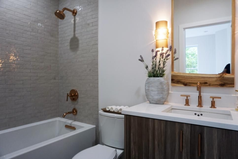 Alison Victoria S Amazing Kitchen Remodels From Hgtv S Windy City Rehab Windy City Rehab Hgtv Bathrooms Remodel Home Hgtv