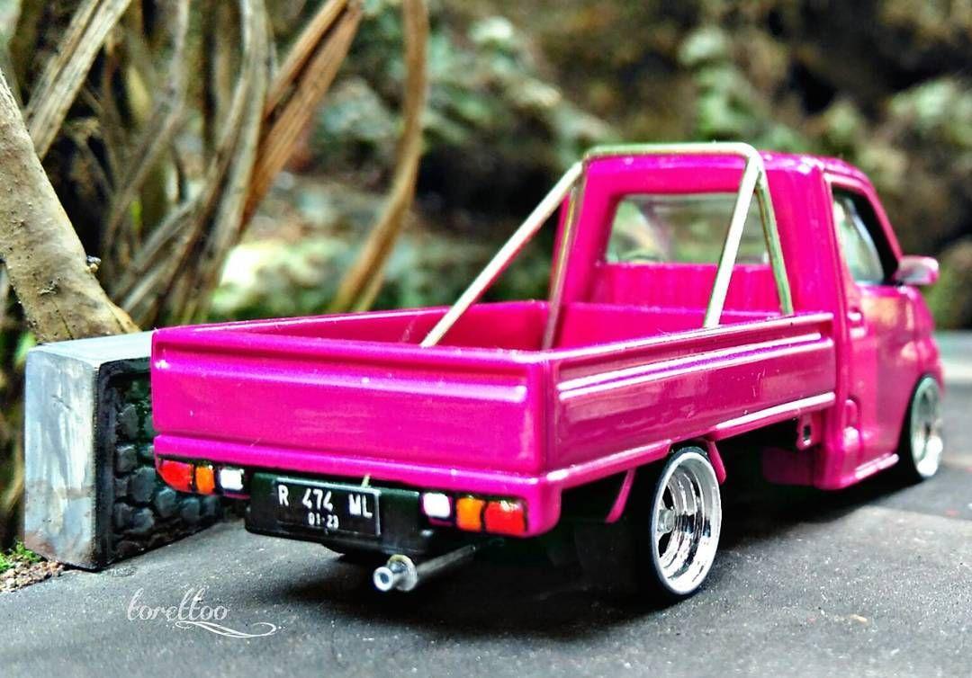 Koleksi Miniatur Mobil