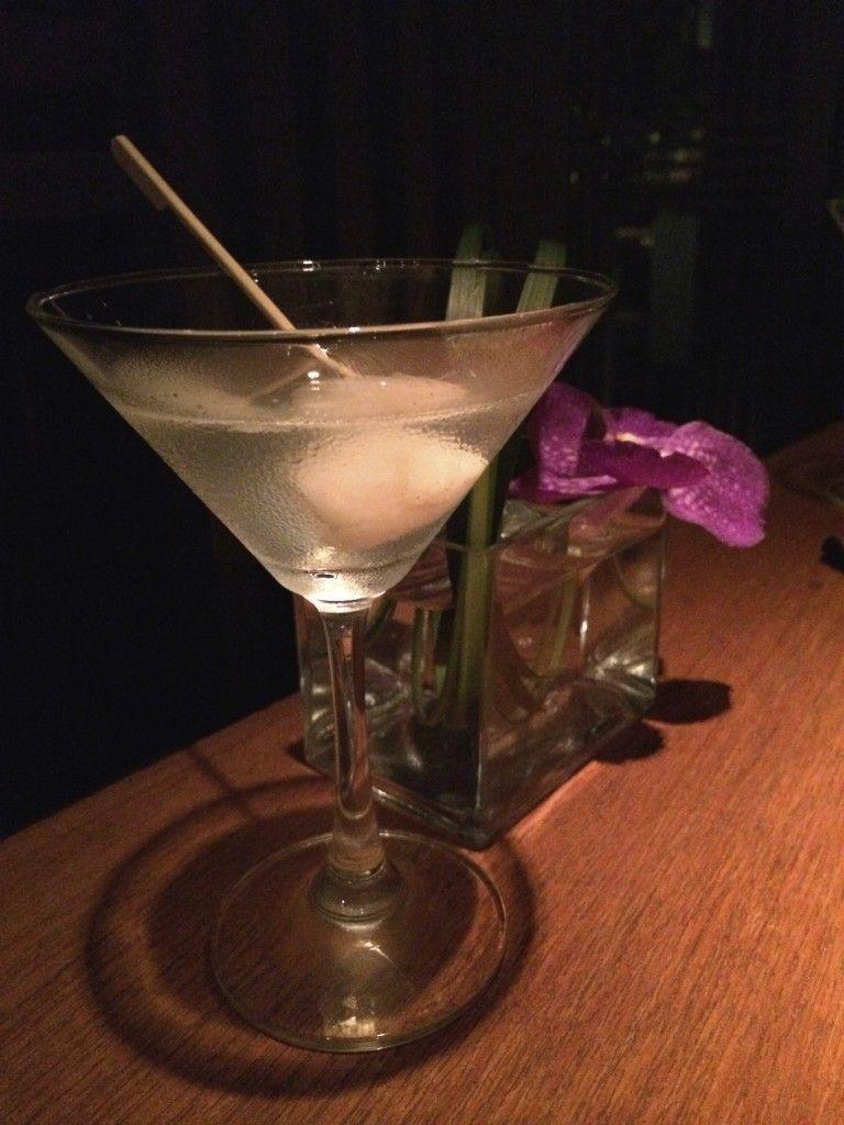 Met Bar's Lychee Martini | Bangkok, Thailand | wineorbust.com #lycheemartini Met Bar's Lychee Martini | Bangkok, Thailand | wineorbust.com #lycheemartini