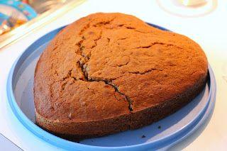 Moomser: Spiced Applesauce Cake
