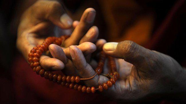 http://resources3.news.com.au/images/2012/01/10/1226240/358411-topshots-india-tibet-religion-kalachakra.jpg
