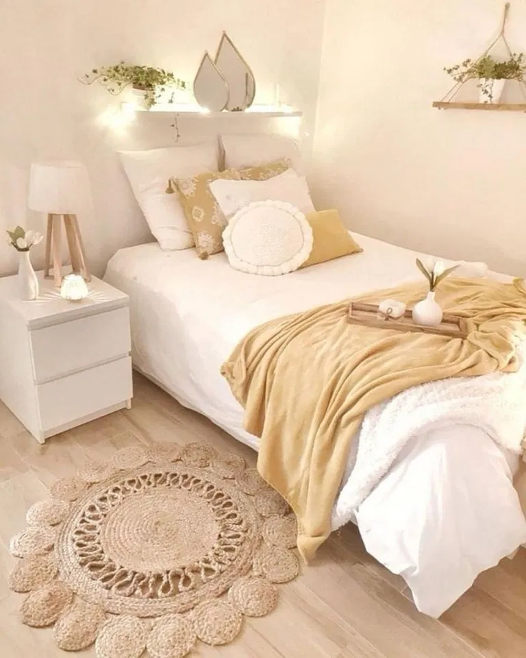 33 Smart Small Bedroom Design Ideas: 33+ Most Adorable Boho Bedroom Ideas #bedroom