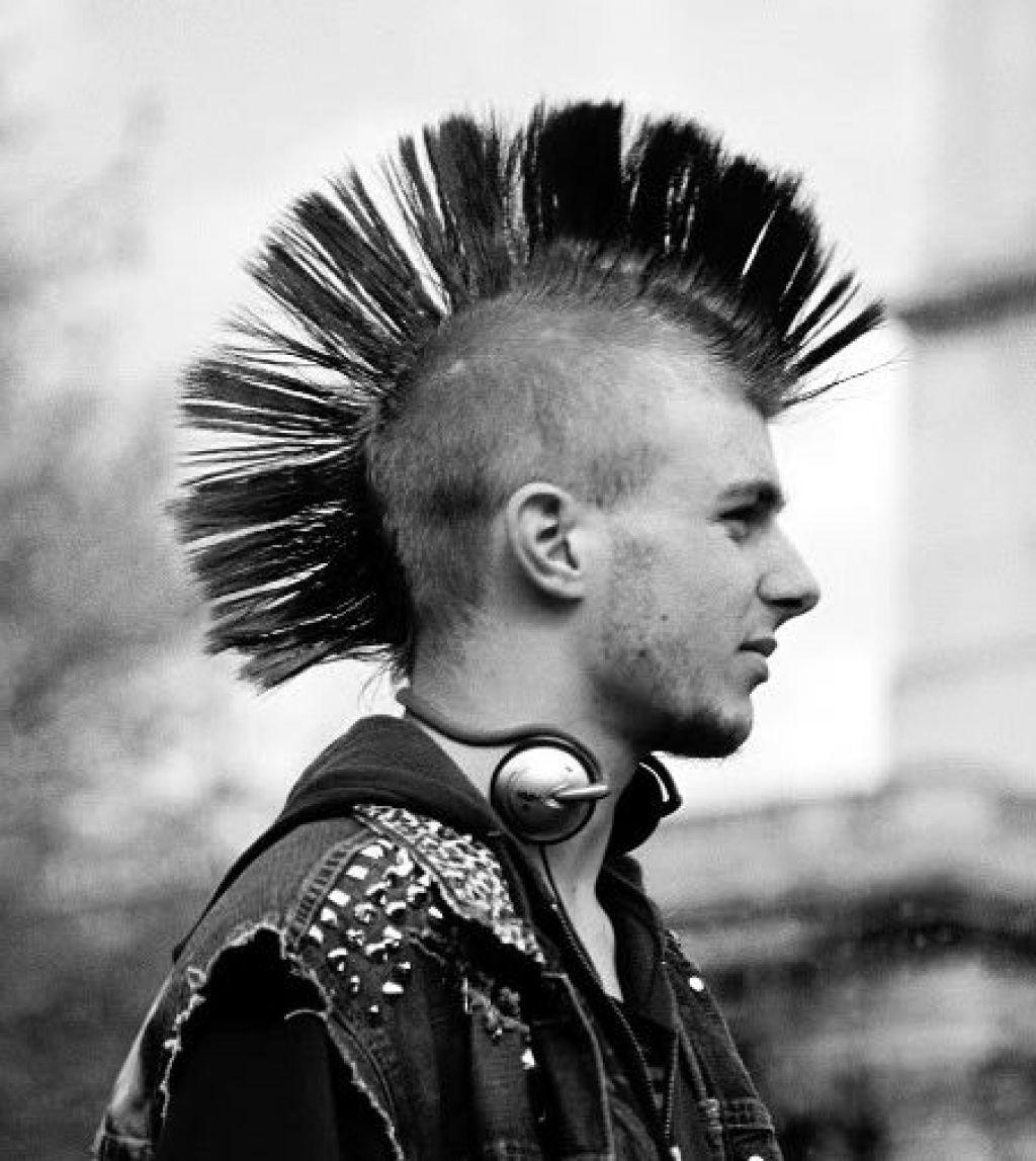 Recommended Mohawk Hairstyle For Men  Punk haarschnitt, Mohawk