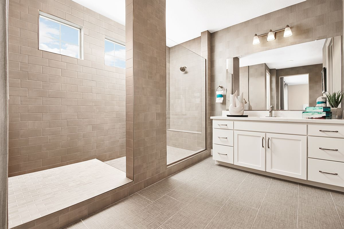 Well Appointed Master Bath Folbrook Model Home Rohnert Park California Richmond American Homes Richmond American Homes Richmond American House Flooring