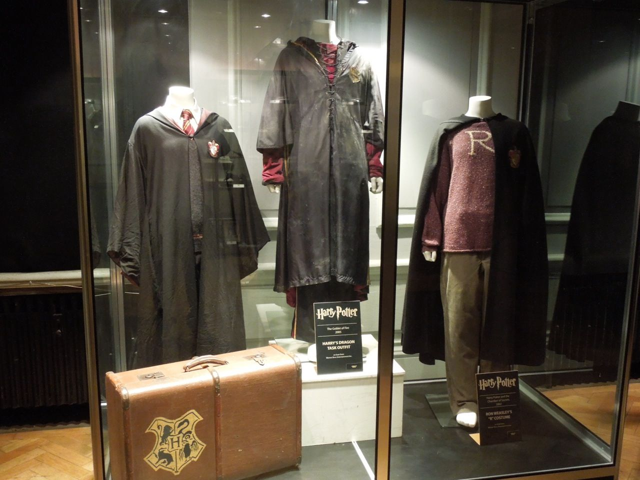 Harry Potter Display Hollywood Movie Costumes And Props Harry Potter And Ron