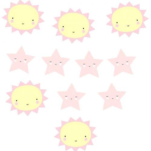 Utrolig søt og dekorativ girlander med smilende soler og stjerner fra A Little Lovely Company. Disse vil sprite opp et hvilket barnerom, bursdager og babyshower.Mål: Lengde 1,5 m , Mål på sol og stjerne: 90 mm - 117mmFarge: Rosa og lys gulInnhold: 5 soler og 6 stjerner