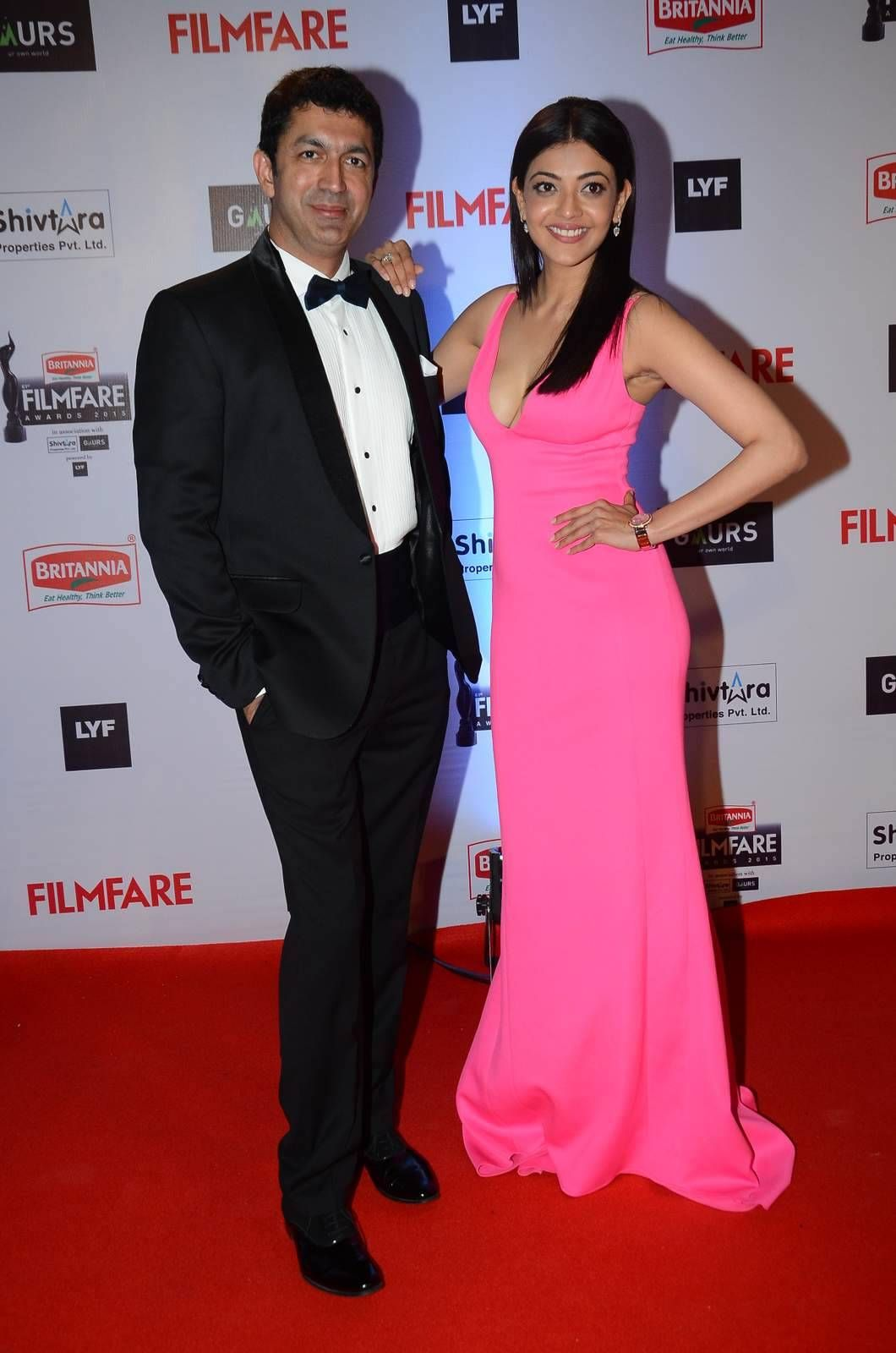 Kajal Agarwal Filmfare Awards 2016 Red Carpet (2) | Actresses | Red