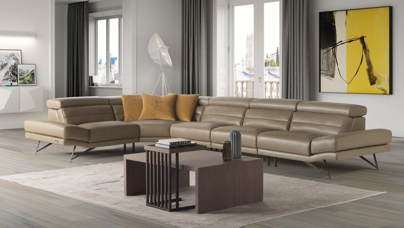 Estro Milan Sectional Can Be Custom Ordered In Different Leather