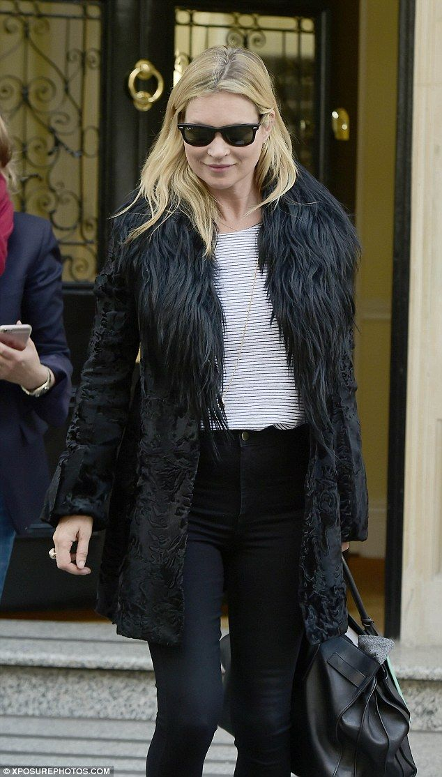Kate Moss takes care of business in London   Kate Moss Universe