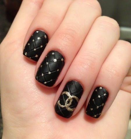 pinʗɧɛƦყƖ ɱĭсɧɛɭɭɛ on ¢ н α и єℓ cнιc  chanel nail