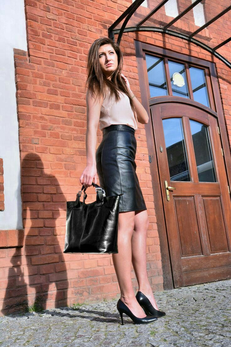 45a3a3d99793 Black high waisted leather skirt and heels outfit | Skirts | Leather ...
