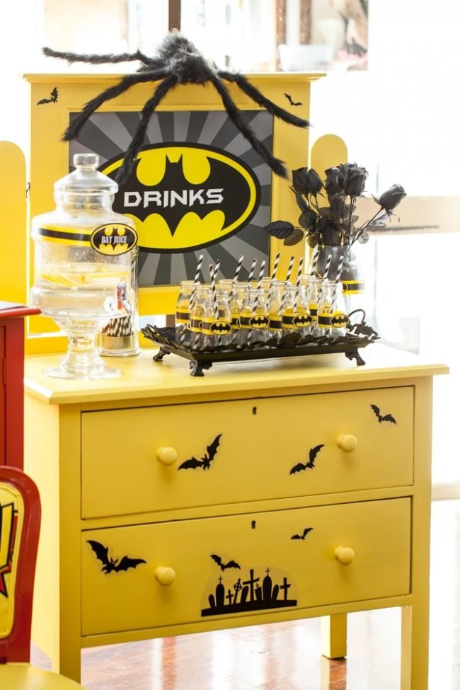 boys super hero themed birthday party drink ideas