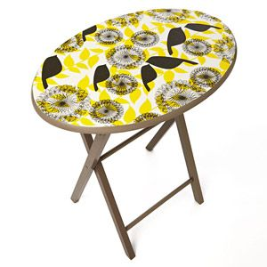 Mod Podge table.... I'm gonna do this for my t.v. trays