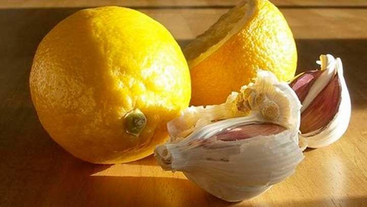 Comparte:By  EstiloconSalud  Todos conocemos el limón, ya que este es una de las frutas cítricas además de la naranja más eficientes para aportarnos vitamina C, mantener nuestro cuerpo con energía y revitalizado y en muchos casos hasta tratar el cáncer. En este caso la infusión del limón en conju... Click http://bit.ly/1PG5YB4 para verlo completo. Y recibe nuestro newsletter GRATIS -> http://eepurl.com/bxMKBj #yoga #meditacion #cristales #kacayoga