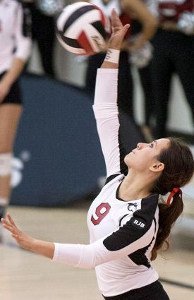 Volleyball Aces Central Michigan With 3 1 Win Niu Today Central Michigan Volleyball College Sports