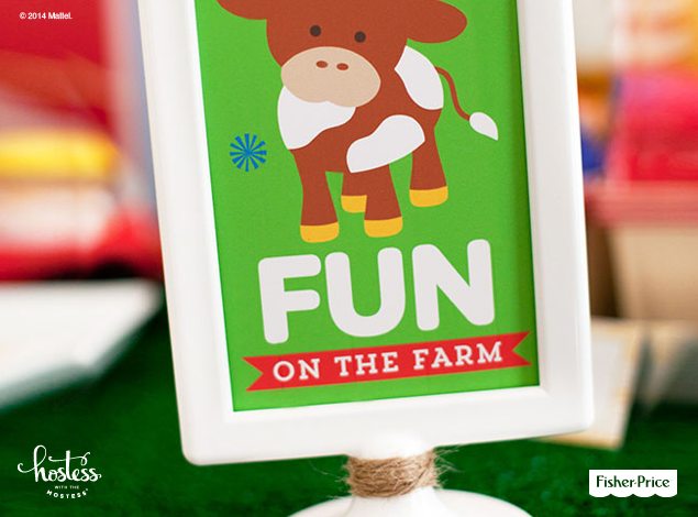 Free, printable 4x6 Fun on the Farm birthday sign designed by @Hostess with the Mostess. An easy DIY decoration to add some colorful whimsy to your party space.