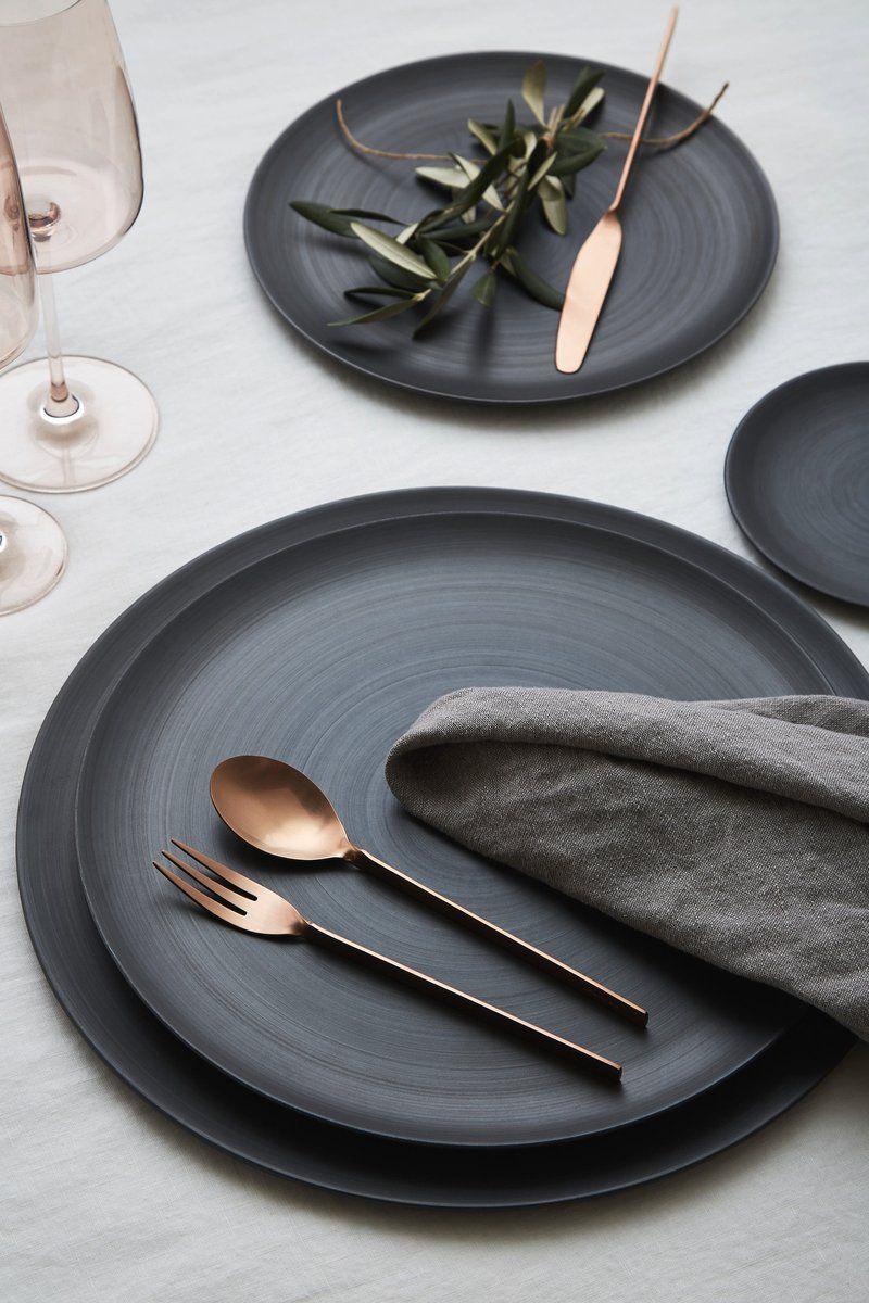 Minimale Plates, Charcoal - GREYSTONE TABLE