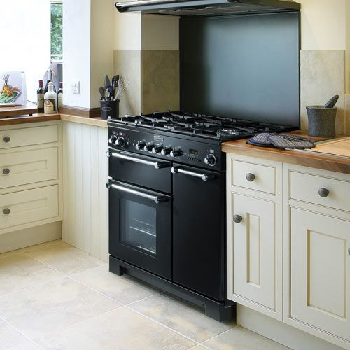 Cream Kitchen, Black Oven, Wooden Work Tops, Country Kitchen