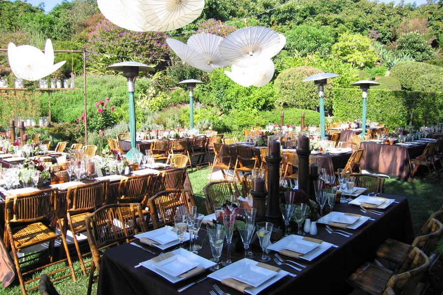 In Case You Are Looking For The Striking Wedding Decorations But Have Limited Budget Consider Setting Outdoor Reception Places Like