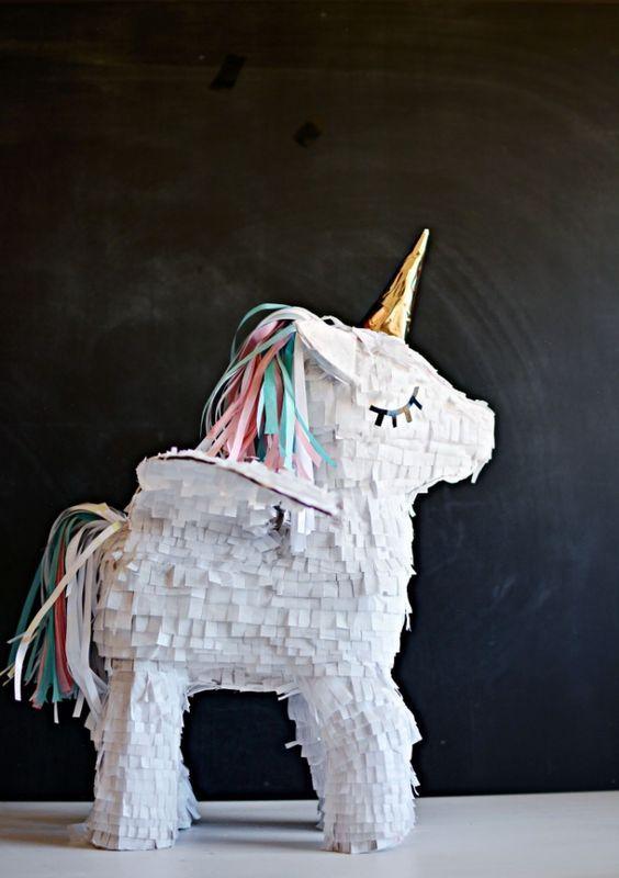diy unicorn pi ata pi ata pinterest el unicornio nobleza y tu puedes. Black Bedroom Furniture Sets. Home Design Ideas