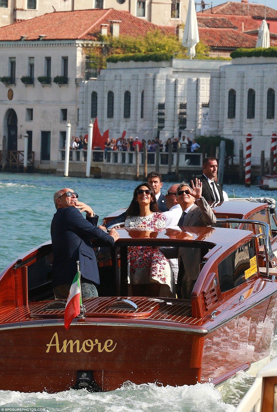 George Clooney And Amal Alamuddin Show Off Their Wedding Bands George Clooney Wedding George Clooney George Clooney Amal Alamuddin