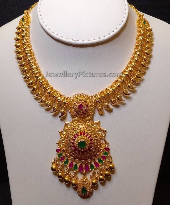 22 Carat Gold South Indian Traditional Mango Jewelry With Its Evergreen Desig Gold Necklace Indian Bridal Jewelry Gold Jewelry Fashion Beautiful Gold Necklaces