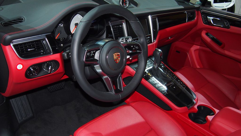 Macan red interior recherche google my life is - Porsche macan white with red interior ...