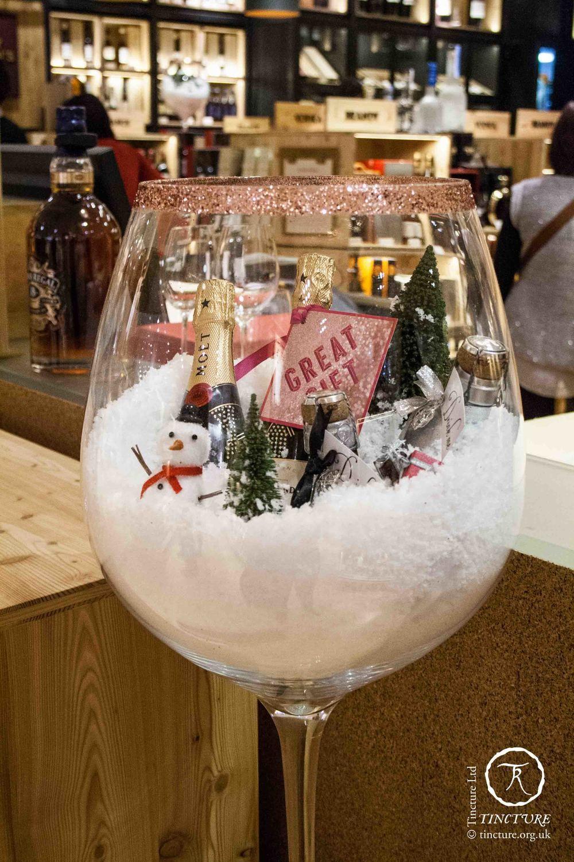 Selfridges London Wine Shop Christmas 2013 (photo by ...