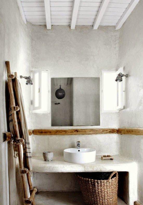 Un Bano Rustico En Cemento A Concrete Rustic Bathroom Banos De Estilo Rustico Banos Rusticos Banos Pequenos