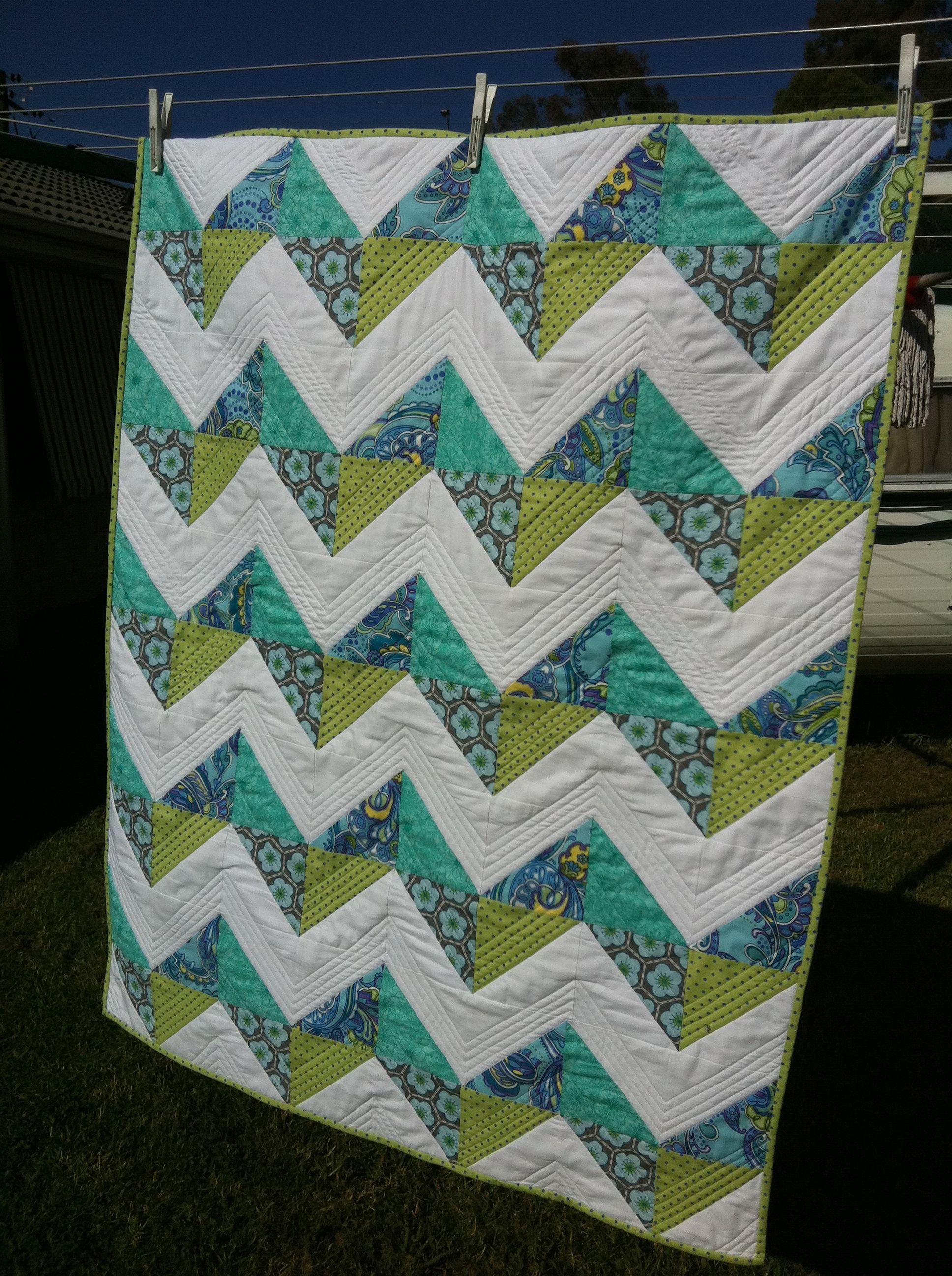 Summer Zig-Zag Quilt | Quilts | Pinterest | Quilt, Summer and ... : zig zag quilt - Adamdwight.com