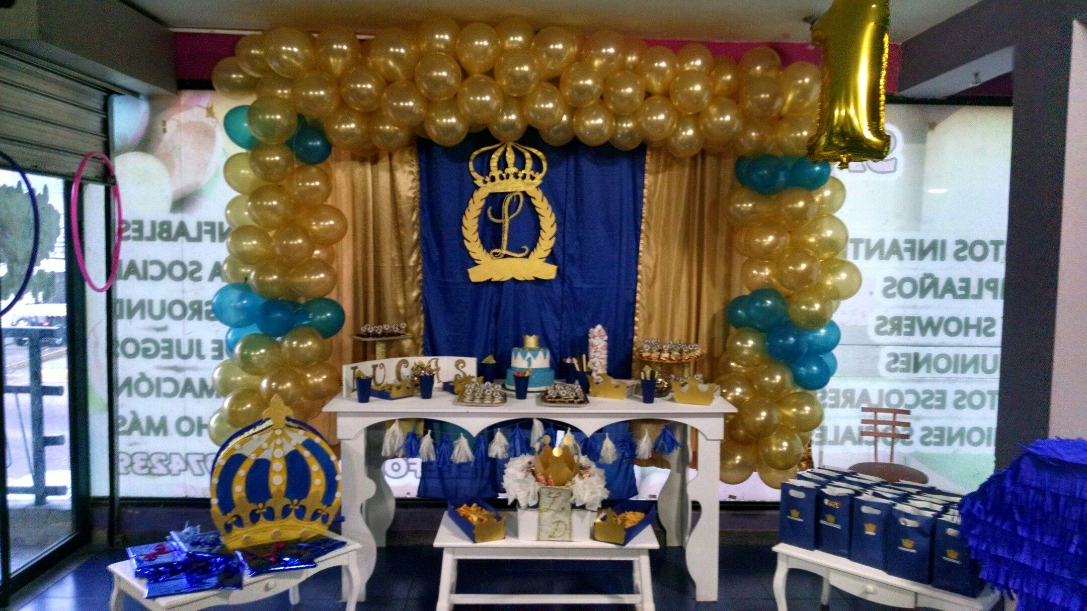 torta #golosinas #decoracion #globos #rey #coronas | Fiesta de 1er ...