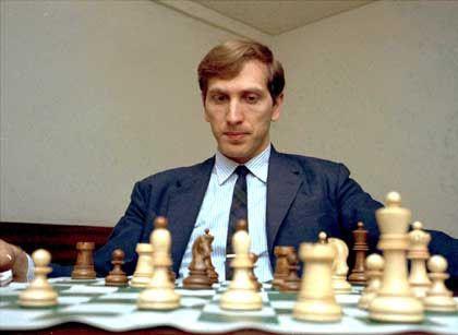 Bobby Fisher Playing Chess Chess History Of Chess Chess Set