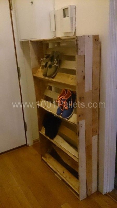 pallet shoe shelf 449x800 Pallet shoes shelf in pallet entrance  with Shoes Shelf Pallets