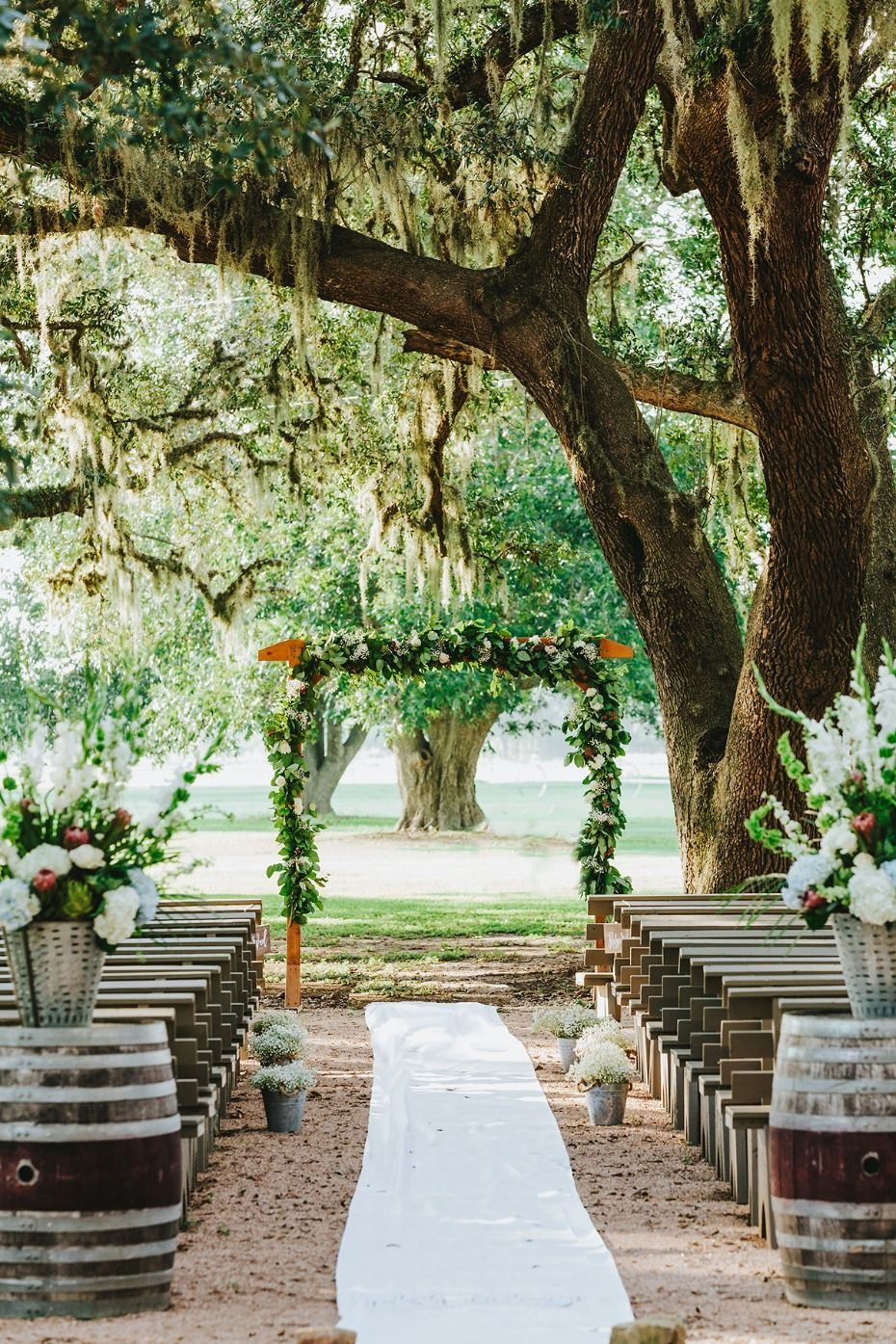 A Rustic Texas Vineyard Wedding That's All Country Oak