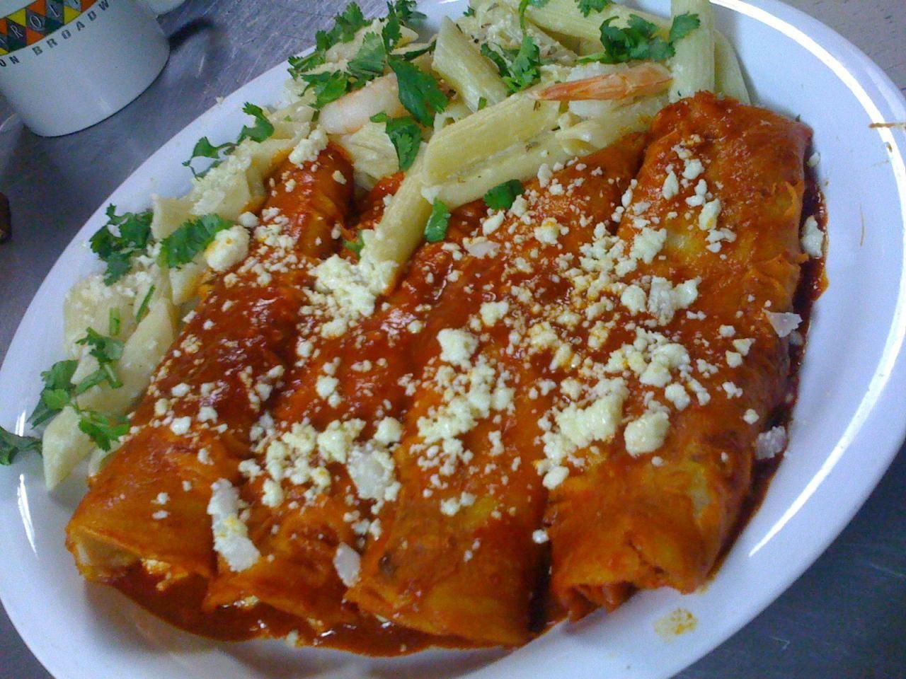 Enchiladas Rojas (Red Enchiladas) | Food | Mexican food ...