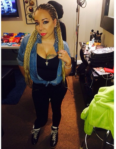 Tiny Harris Shows Off Waist Length Box Braids Rolling Out Tameka Tiny Harris Black Girl Braids Cool Hairstyles