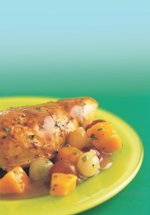 Get the recipe for this sweet chicken with grapes: http://blog.womenshealthmag.com/scoop/grape-benefits/?cm_mmc=Pinterest-_-WomensHealth-_-content-scoop-_-graperecipes