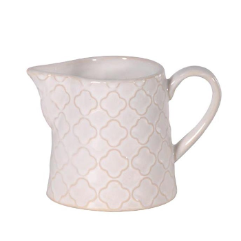 A pretty little jug - perfect for mixing up with the rest of your natural toned dinnerware for a Scandinavian style.