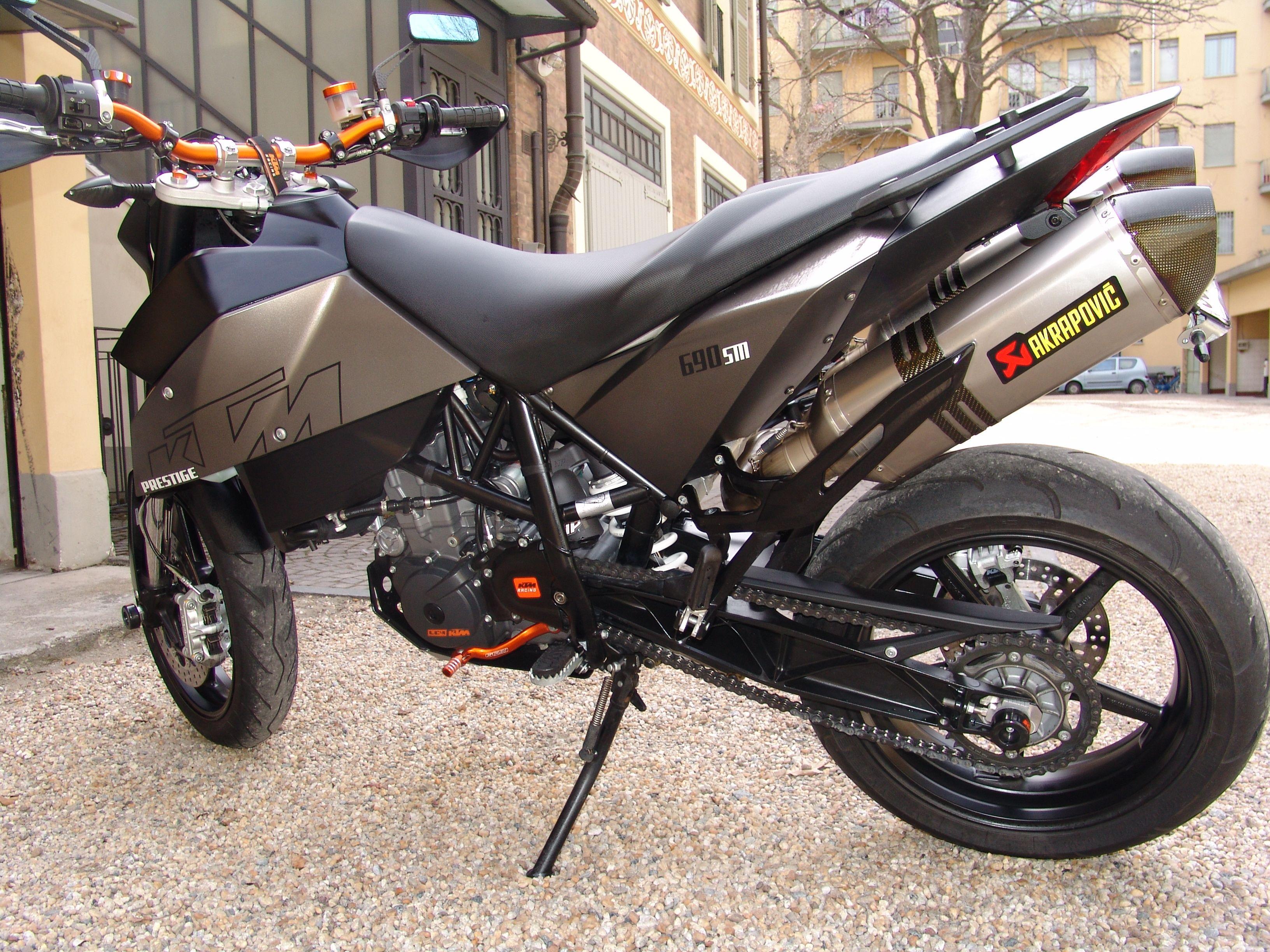 Supermoto ktm 690 stunt concept bikemotorcycletuned car tuning car - Supermoto Ktm 690 Stunt Concept Bikemotorcycletuned Car Tuning Car 26