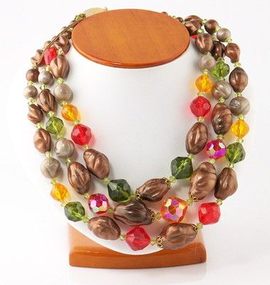 I just love the colors in this necklace.