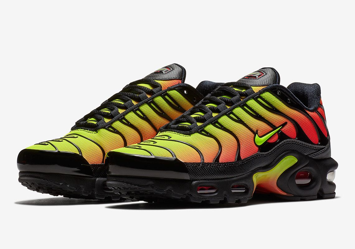 later how to buy later Nike Air Max Plus AQ9979-001 | Nike air max plus, Mens nike air ...