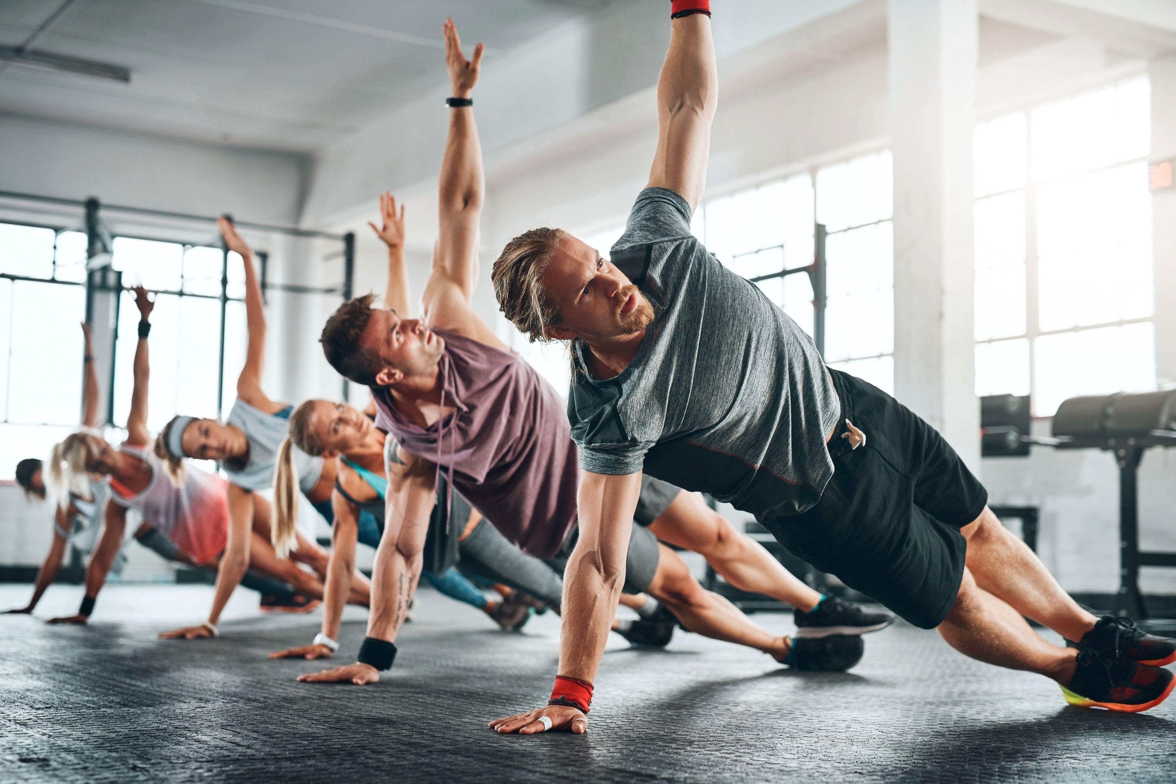 #Fitness Programm # 10 Minuten # Ausrüstung #Routine #Haus #Ro - -  #Fitnessprogramm # 10 Minuten #A...