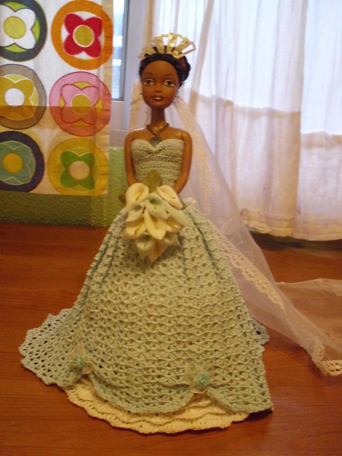 Pin de Marta Montes De Oca en vestidos al crochet para muñecas barbi ...