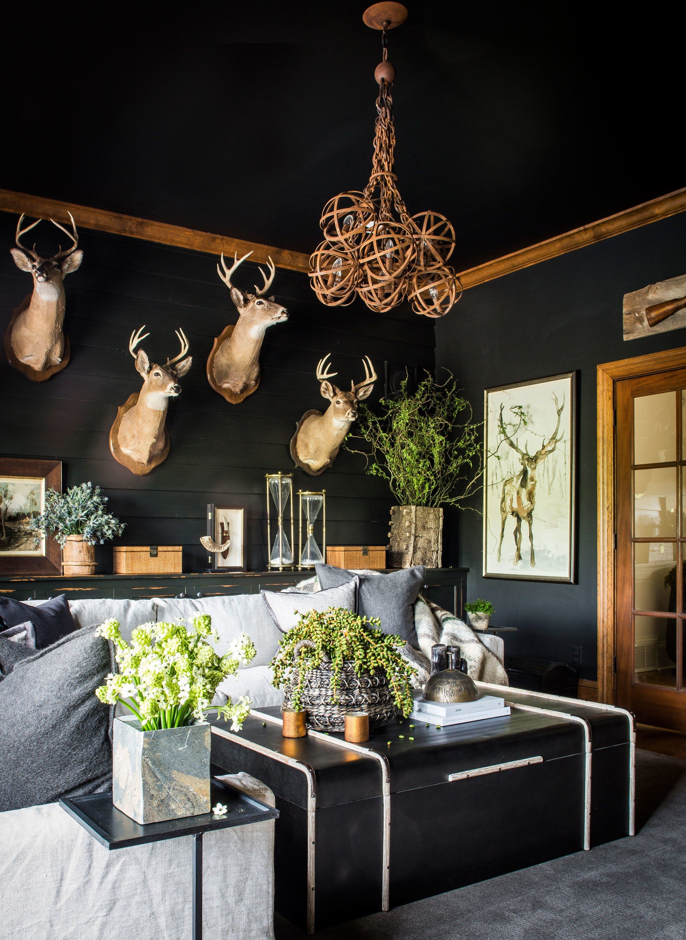 How To Use Black As A Neutral Hunting Decor Modern Lodge Decor Modern Lodge Hunting living room ideas