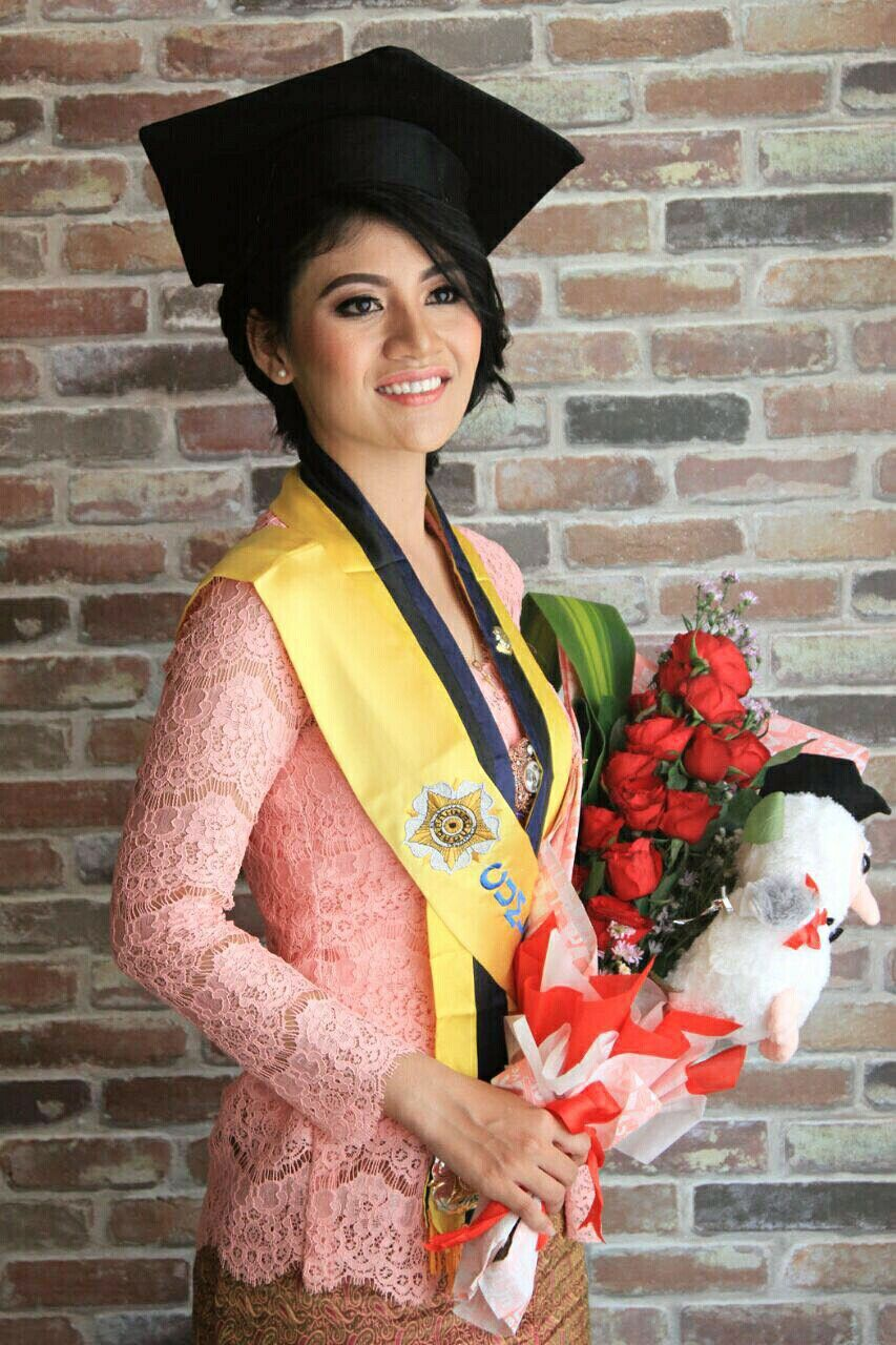 Photo of Kebaya-indonesia….for graduation ig:yesikafebriani