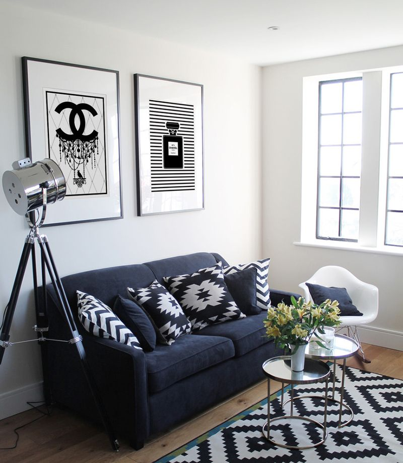 23 Modern Living Rooms Adorned With Black And White Area Rugs Home Design Lover White Living Room Set Black And White Living Room Rugs In Living Room #small #living #room #area #rug